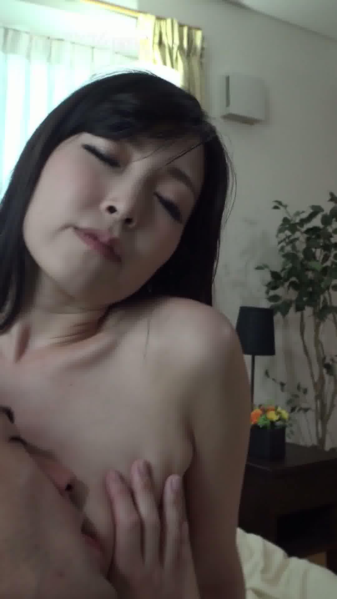 縦型動画 011 ~ハメ撮りなんて小百合感じちゃう~ - 前沢小百合【美乳・中出し・ハメ撮り】
