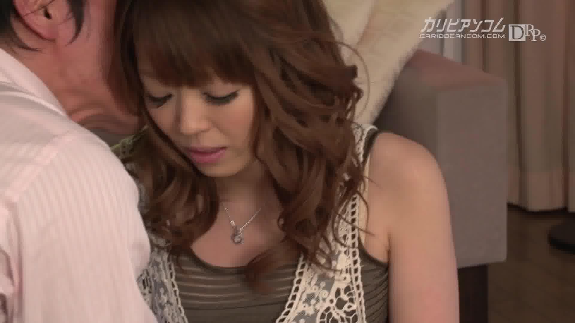つるつるに生まれ変わった美乳モデル - 美咲ひな【美乳・パイパン・初裏】