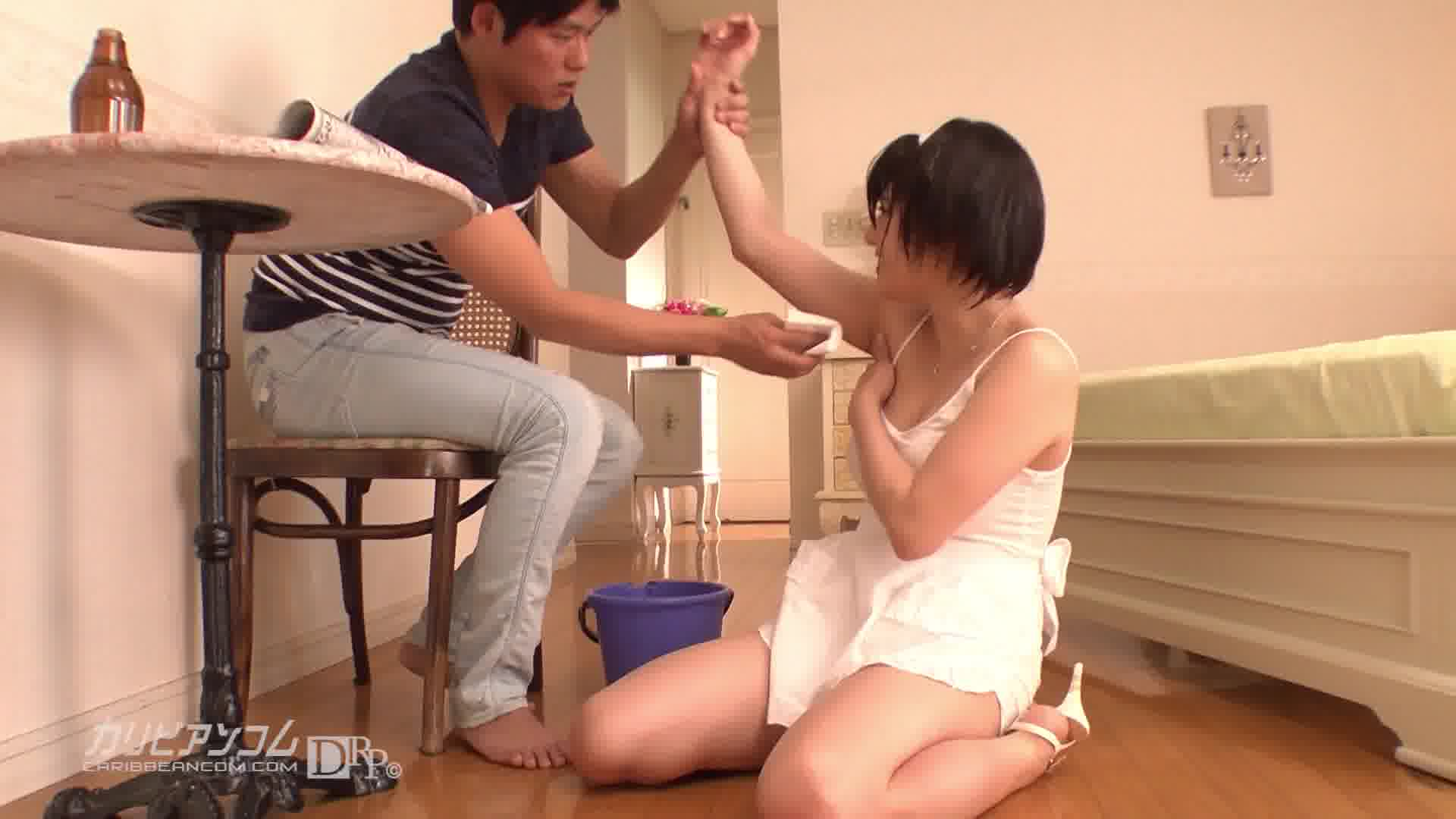 巨乳家政婦さんとの灼熱SEX - 成宮はるあ【巨乳・パイズリ・69】