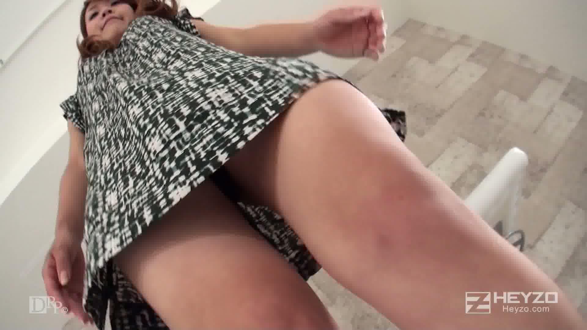 ピュアな素人娘が騙された怪しすぎる撮影会 - ひろみ【インタビュー 撮影 脱衣】