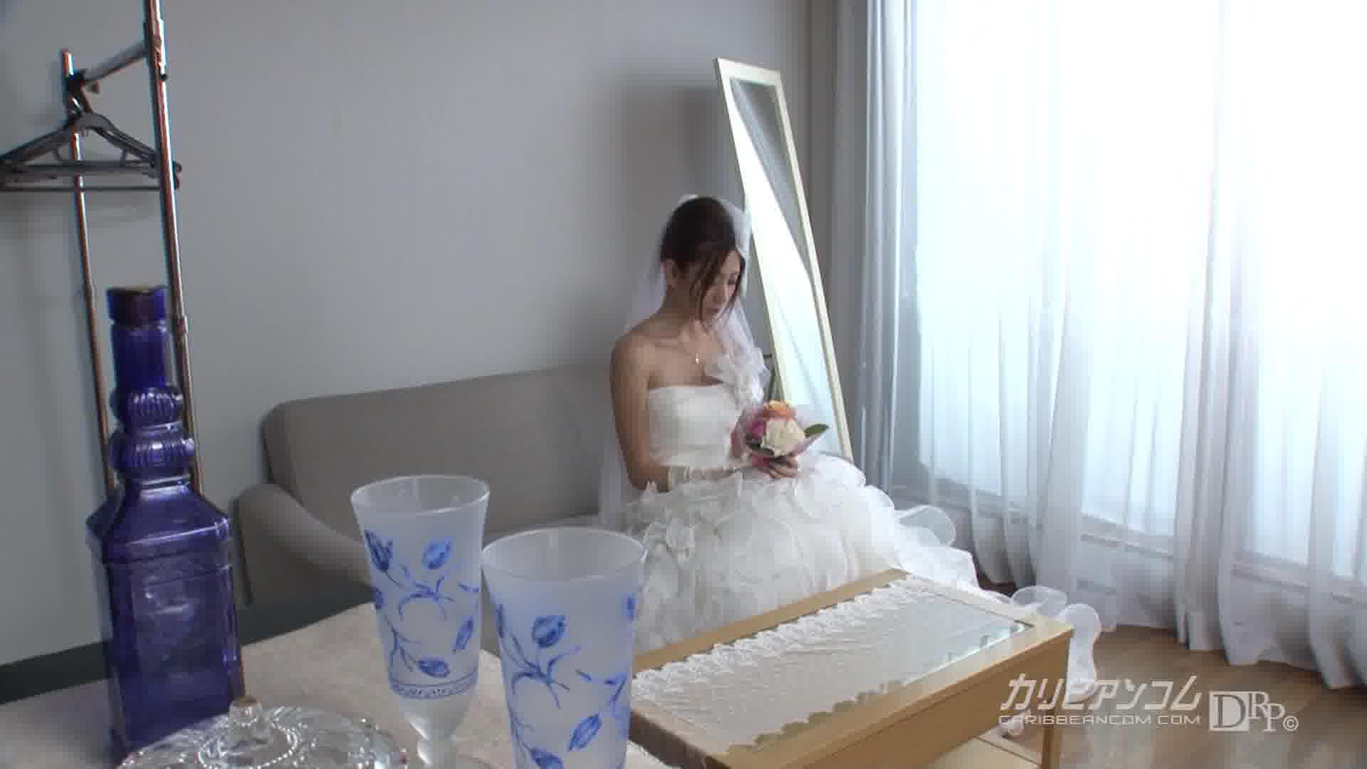 逃げ出した花嫁 ~あなたの声があなたの顔が忘れられなくて~ - 前田かおり【オナニー・美脚・中出し】