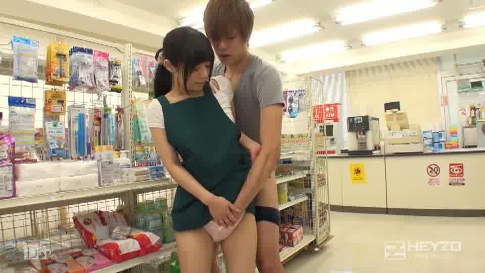 コンドームの試着、できますよ!~ついでに私に試乗してください!~ - 千野くるみ【手コキ フェラ 指マン クンニ 立ちバック】