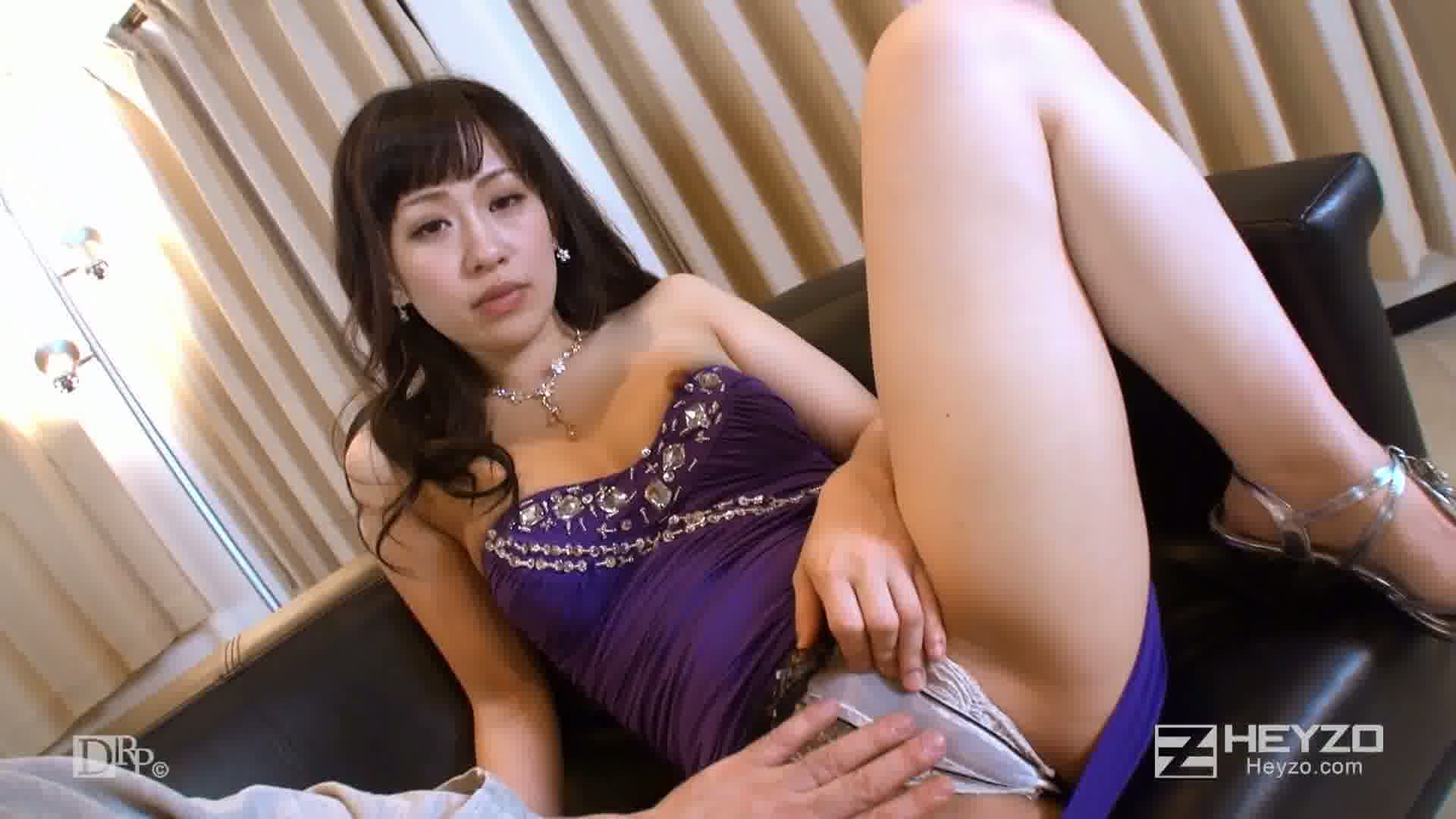 淫誘する悩殺ドレスの女~紫と赤のセクシースパイラル~ - 京野結衣【ベロチュー ご開帳 クンニ 指マン ディルド】