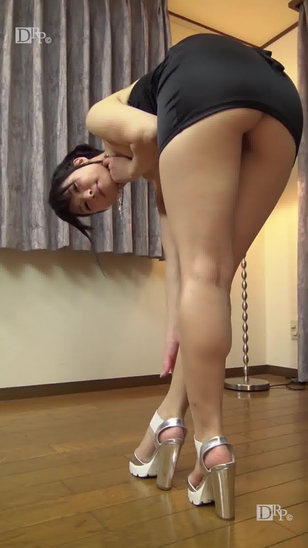 縦型動画 025 ~縦揺れ足腰ガックガク~ - 咲田凛【パイパン・美乳・美尻】