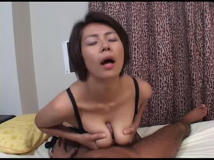 不倫妻と絶倫男浅野真弓