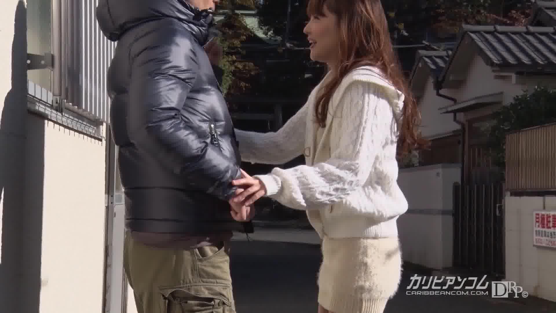 素人男性とセックス生中継 - 本多なるみ【微乳・スレンダー・中出し】
