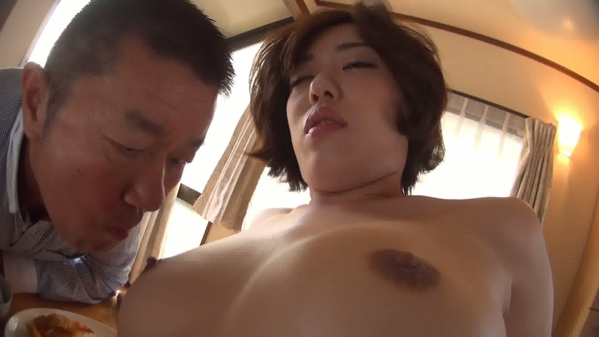 妖艶巨乳全裸家政婦 PART1沙月由奈