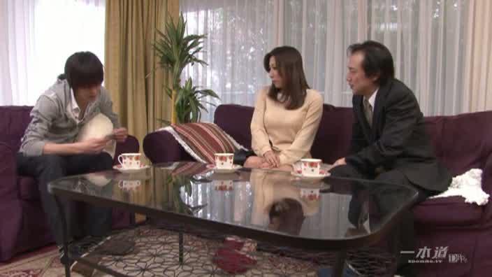 弄ばれた淫乱家政婦 前編【横山みれい】