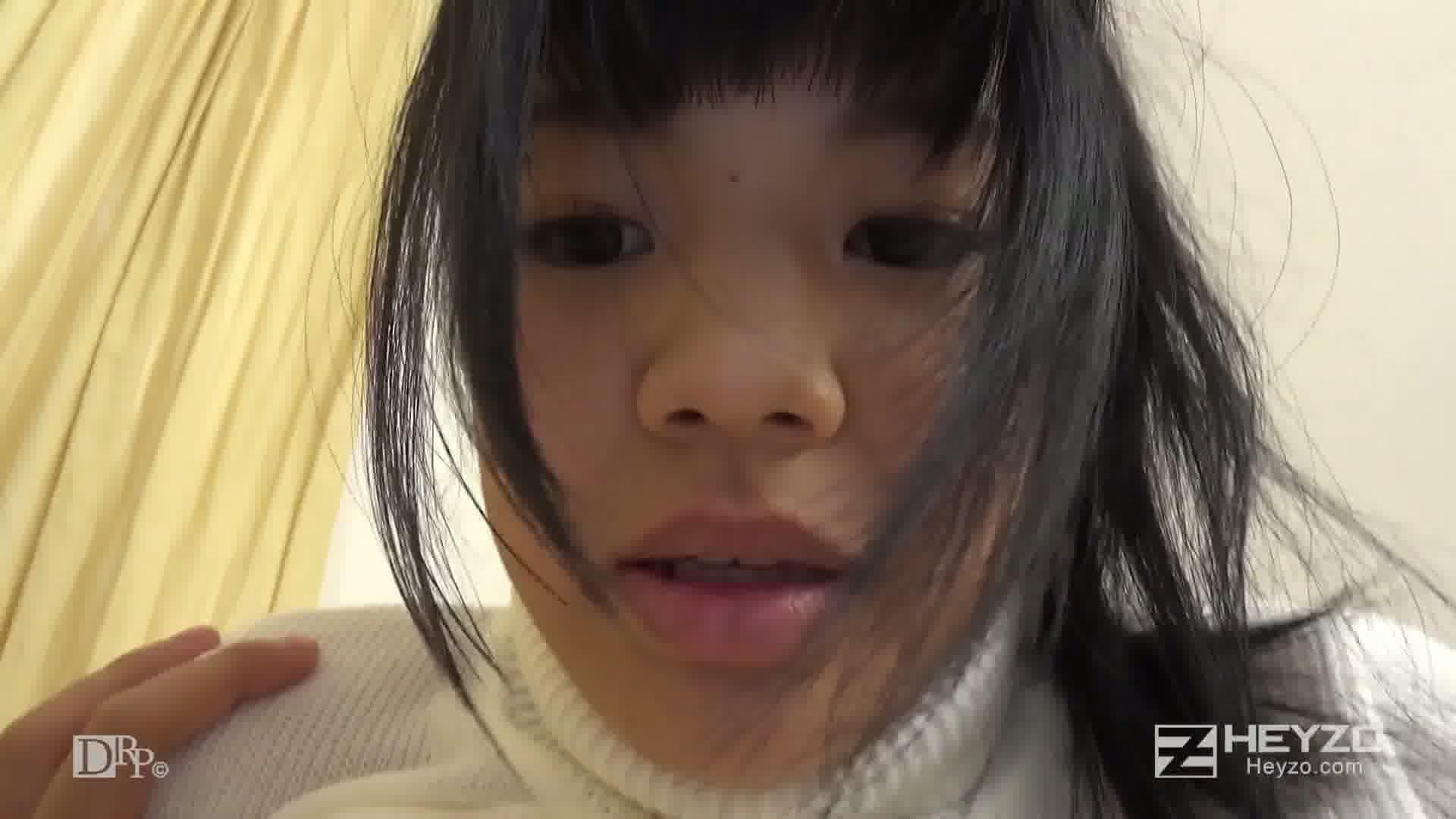 巨乳素人娘にピチめのセーター着せちゃいました! - 綾見ひなの【前戯 指マン パイズリ】