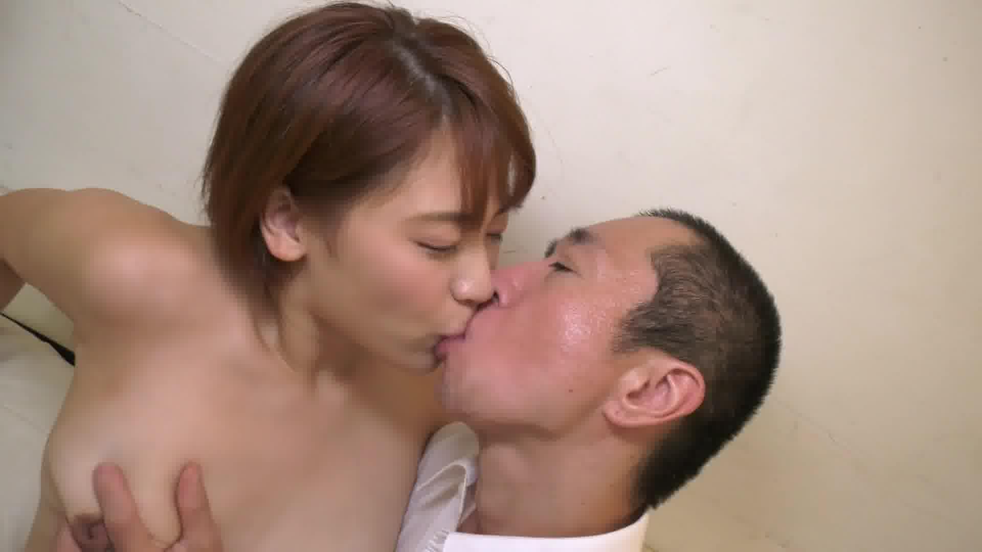 全裸妻 ~上海ハーフ妻はいつでも受け入れOKのムラムラ臨戦態勢~ - メイリン【巨乳・パイズリ・パイパン】
