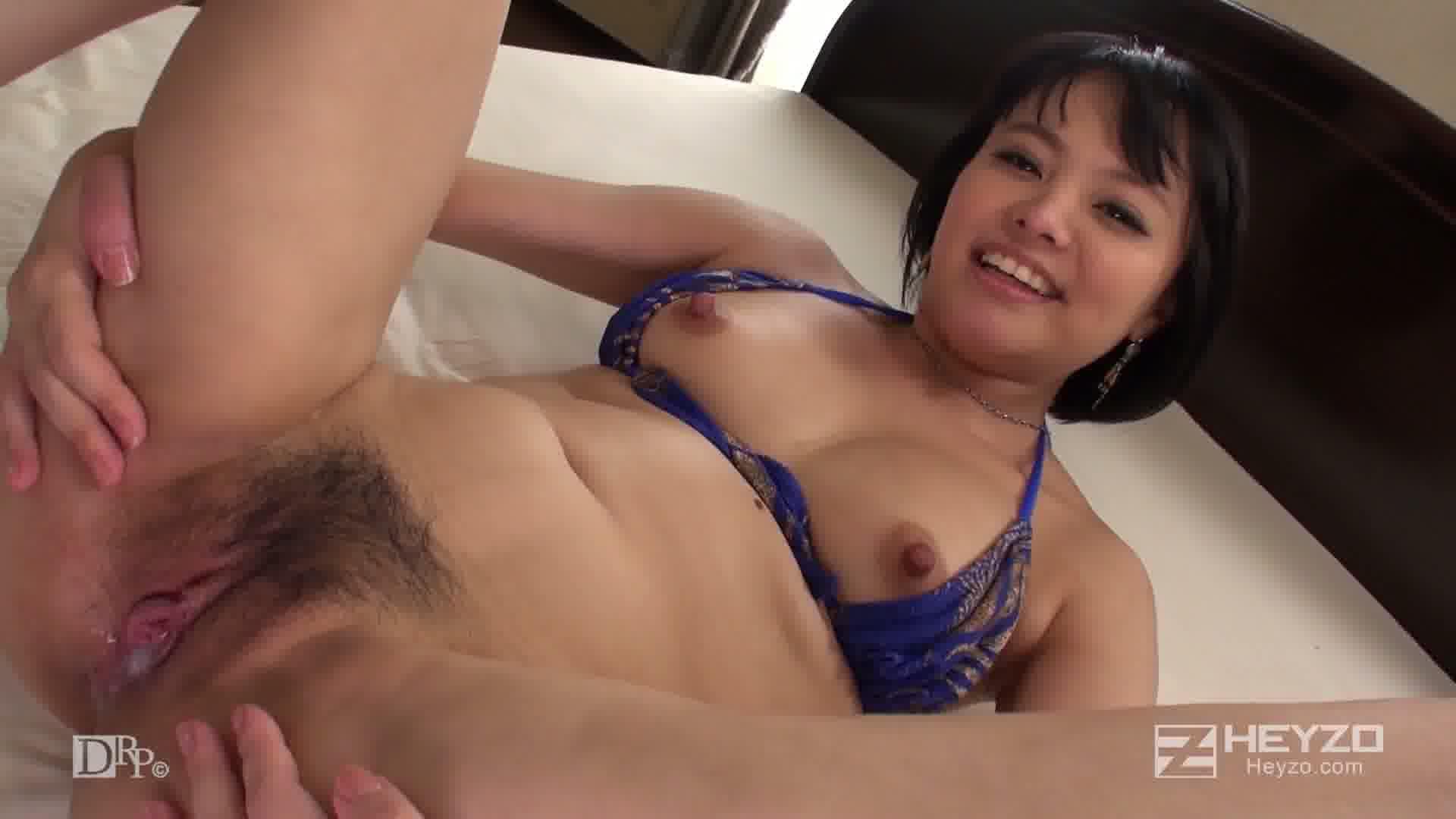 天然美少女と真夏の水着SEX! - 青山未来【ベッド 室内 生中出し】