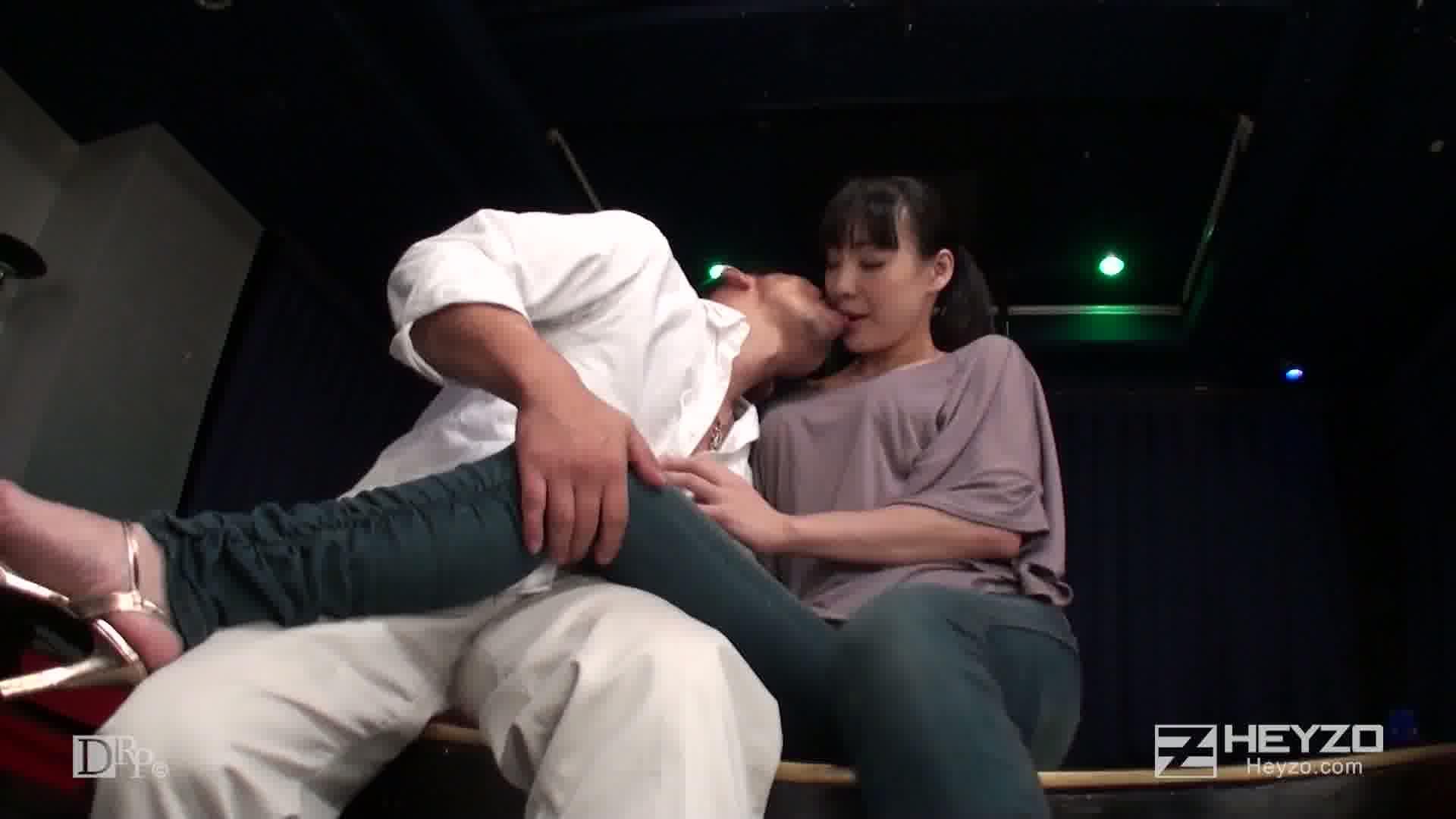 舞台に咲く情熱アクメ!現役ストリッパーの完熟エロス - 若林美保【クンニ 指マン ベロチュー フェラ】