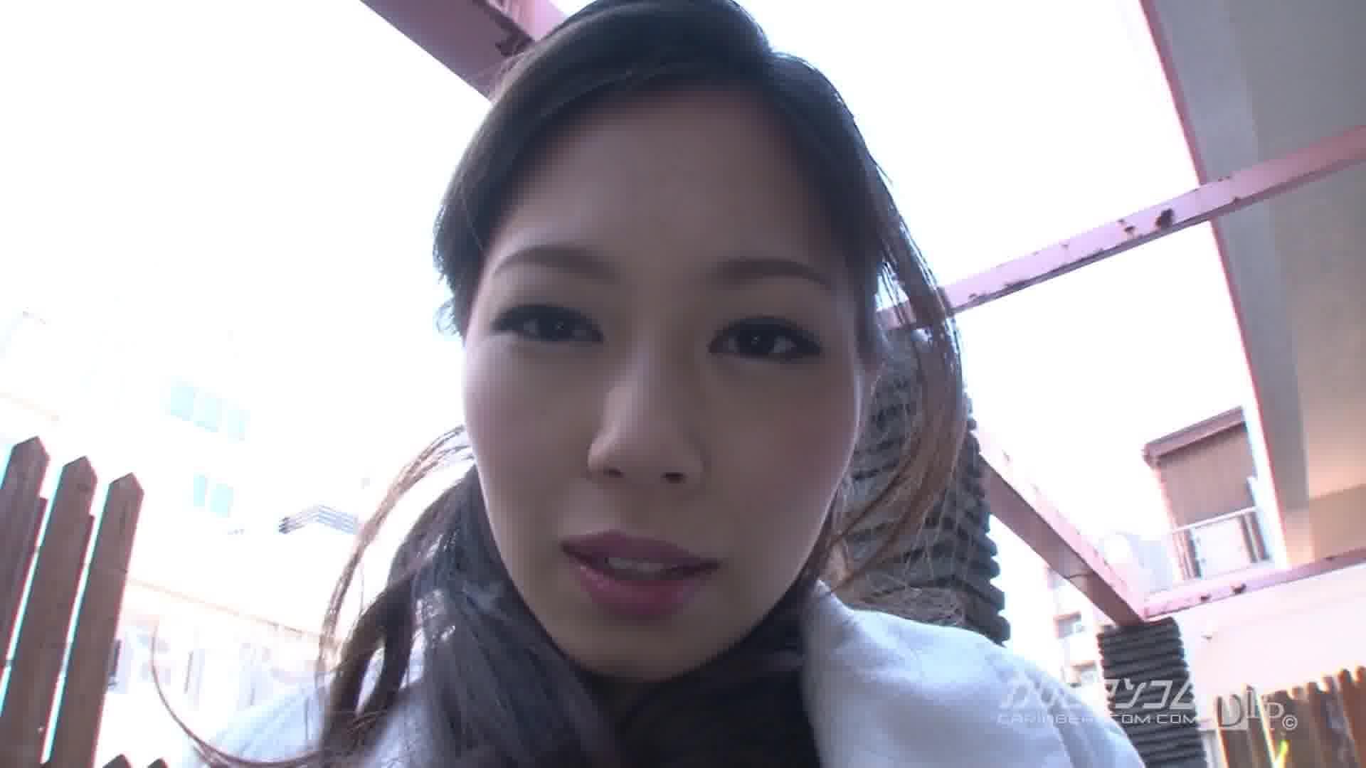 興奮誘う羞恥露出プレイ - 吉村美咲【オナニー・露出・スレンダー】
