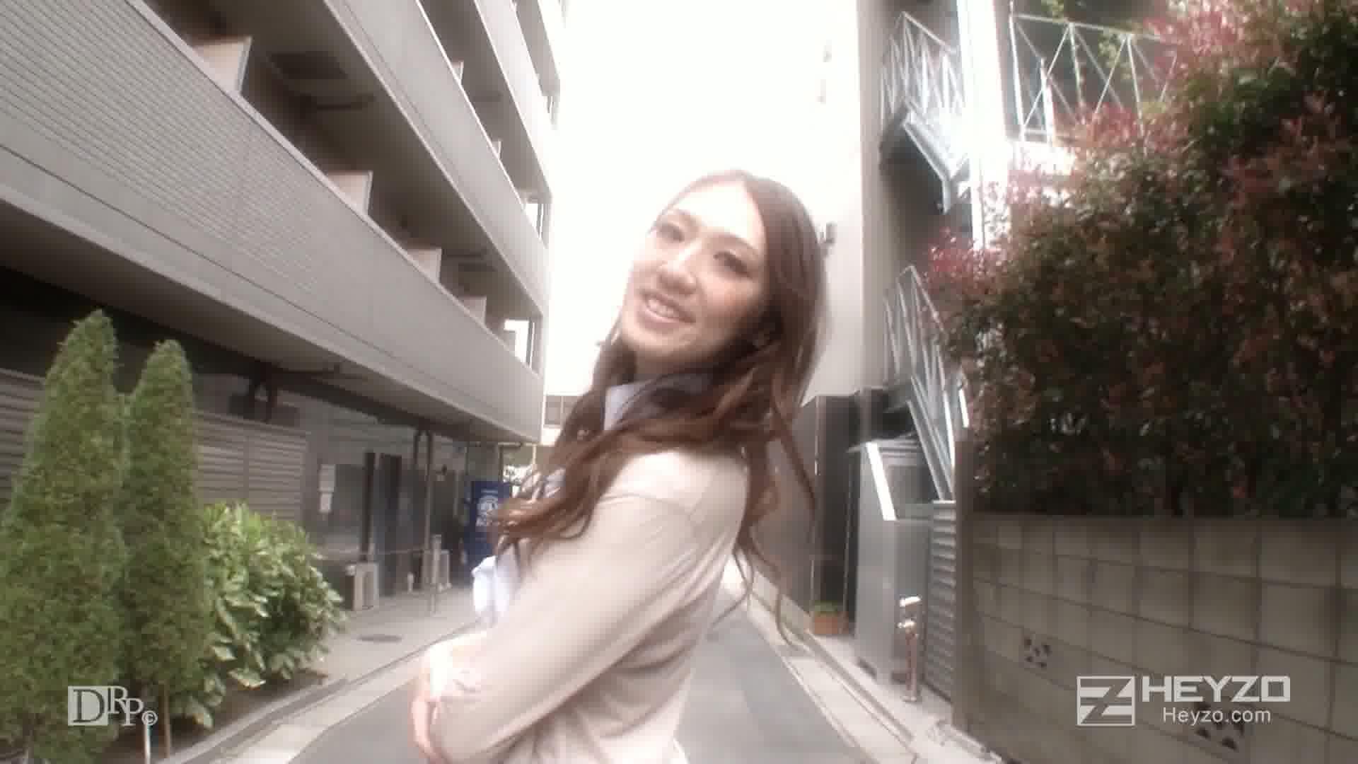 スレンダー熟女の連続アクメ~小粒なピンクの美マン~ - 高嶋美鈴【乳首いじり 指マン】