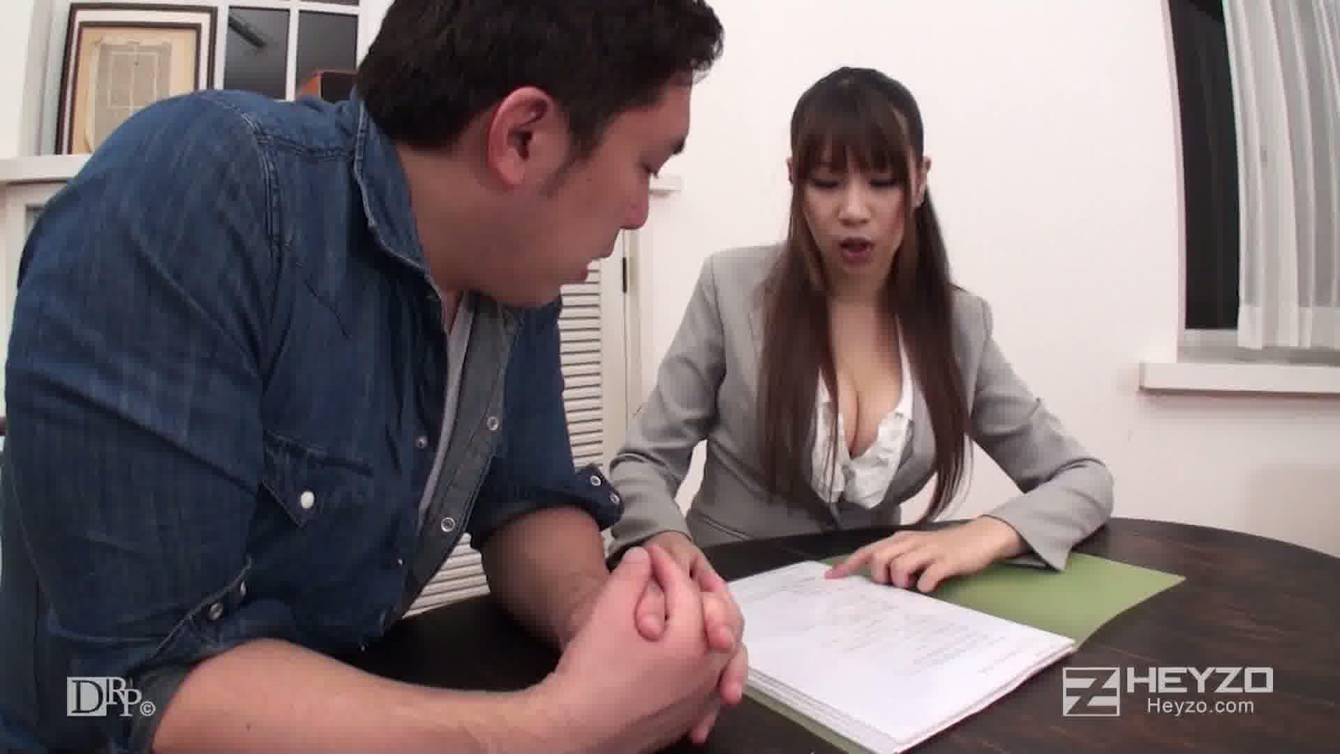 爆乳!保険のお姉さんのグチュグチュ枕営業 - 春永いずみ【雑談 前戯】