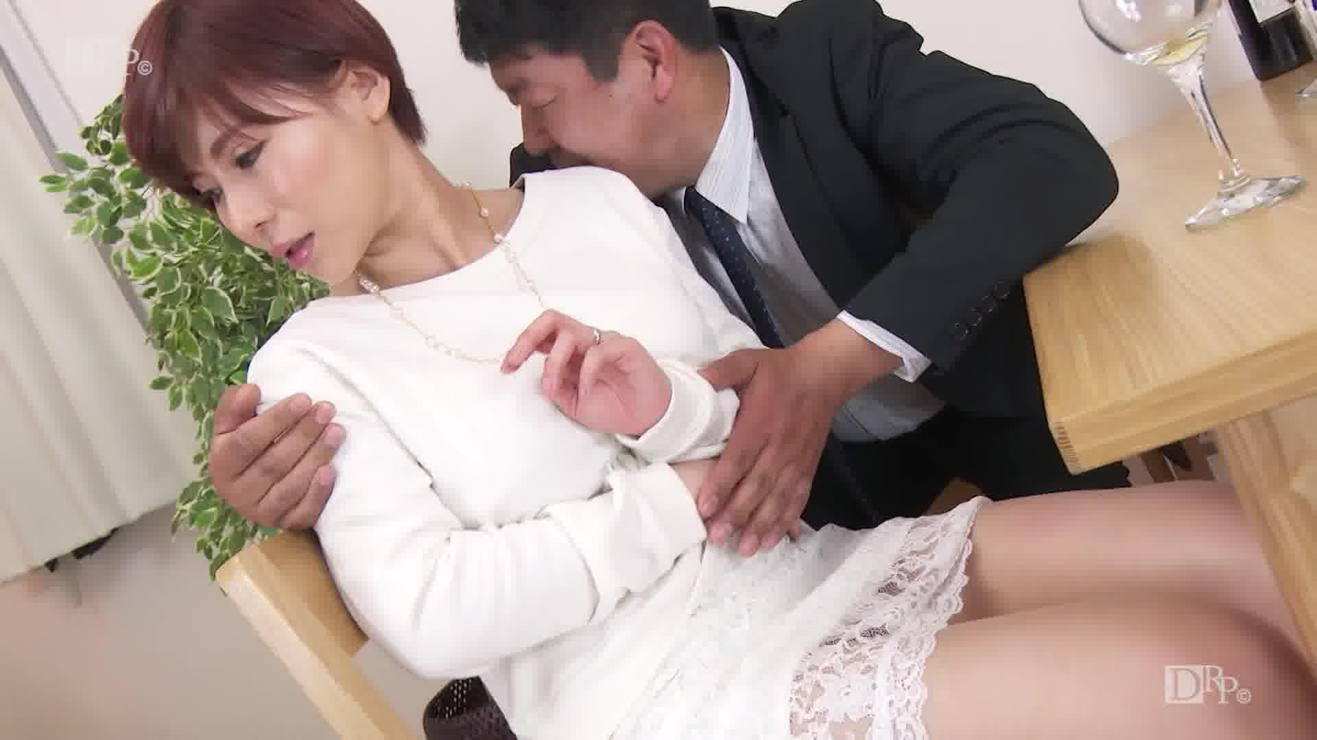夫の上司の責めに濡れていく貞淑妻の身体 - 綾乃麗華【巨乳・人妻・中出し】