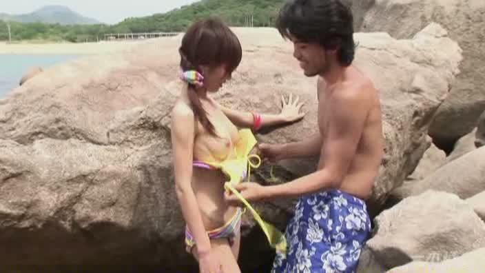 グラドル vol.057 初めてビーチでエッチしちゃいました【さくら子】