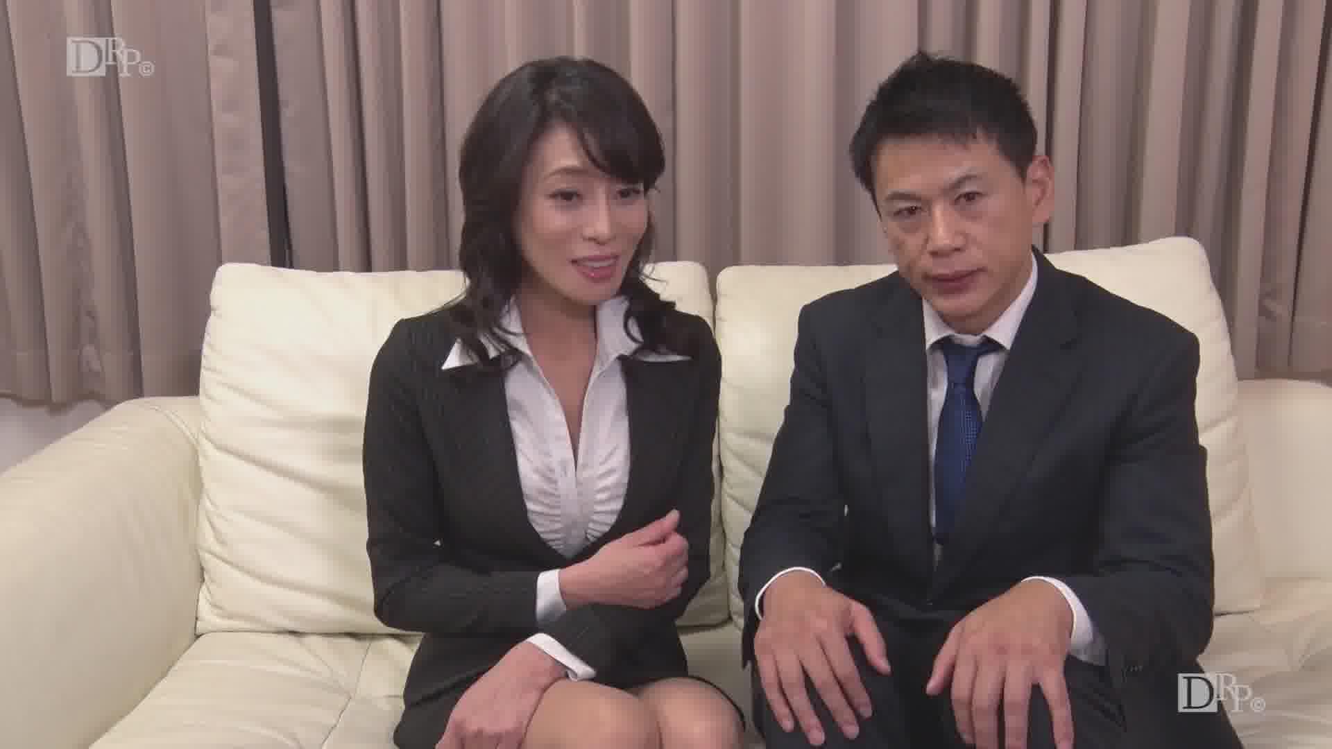 熟女スーツの下はグッチョグチョ - 北島玲【イラマチオ・巨乳・中出し】