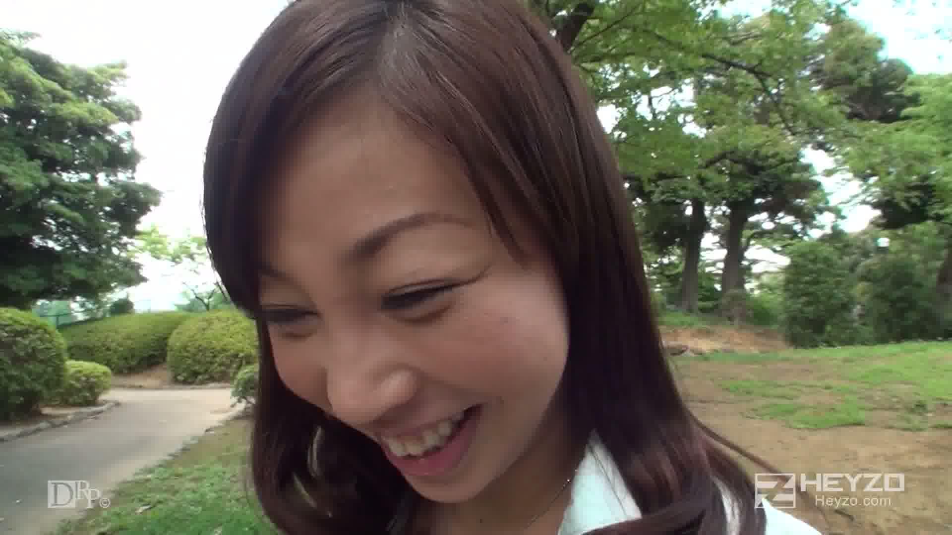 美熟女・汐里さんとぐっちょりセックス~膣年齢ハタチの魔力~ - 溝口汐里【インタビュー 野外露出 タッチ】
