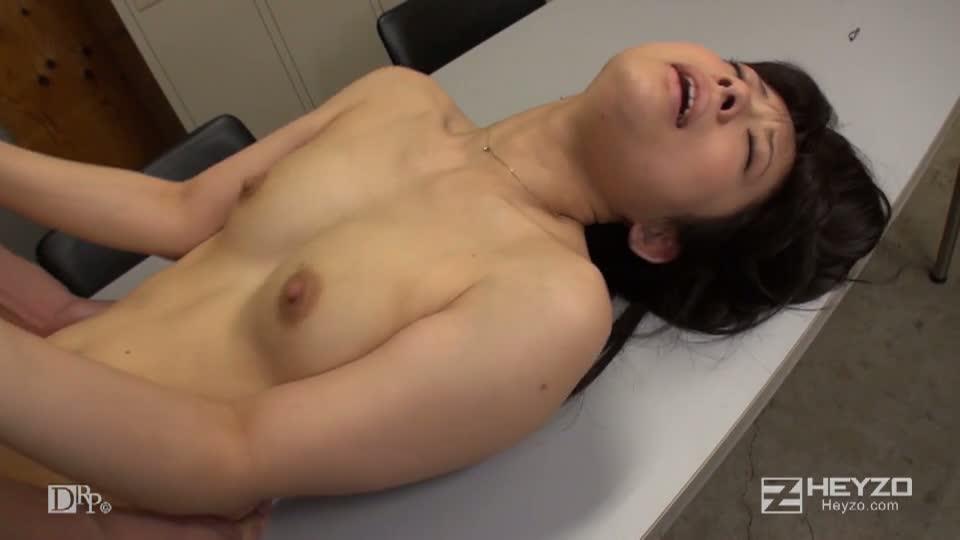 コンドームの試着、できますよ!~ついでに私に試乗してください!~ - 千野くるみ【座位 バック 正常位 中だし】