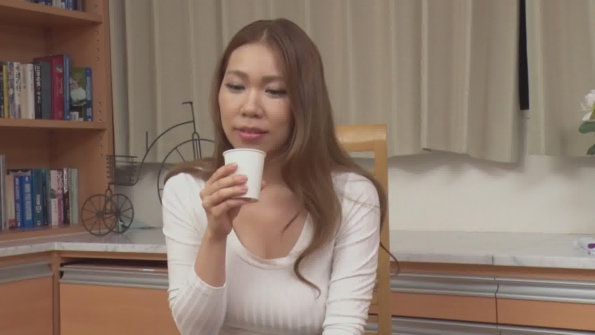 THE 未公開 ~恥じらいのお漏らし大作戦7~ - 鈴村いろは【巨乳・オナニー・放尿】