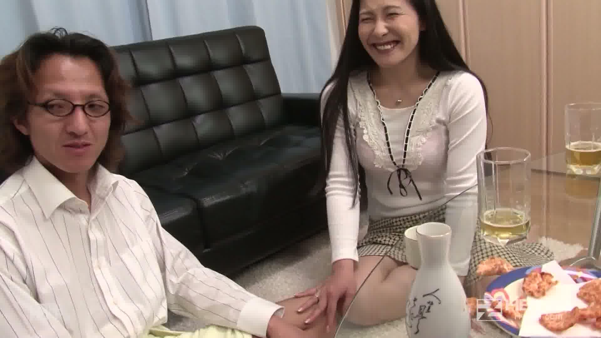 夫に内緒!背徳セックスを堪能する淫乱部長夫人 - 山下やよい【フェラ】