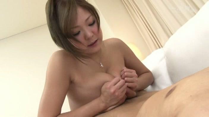 Hカップ敏感ド爆乳【森永ひよこ】