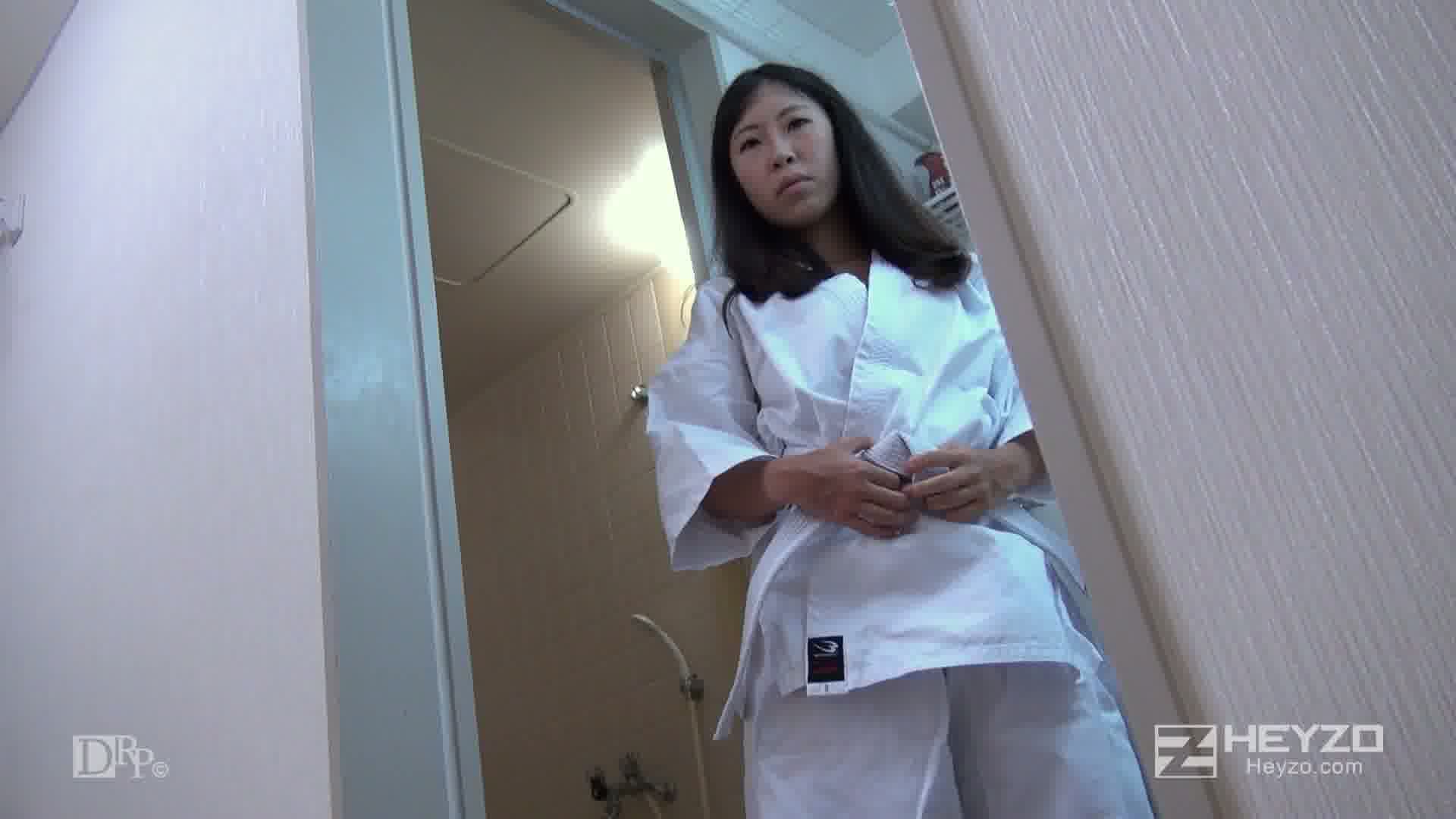 AV出演を迷っている素人娘をなし崩し的に撮影しちゃいました! - 篠田ゆき【着替え シャワー】