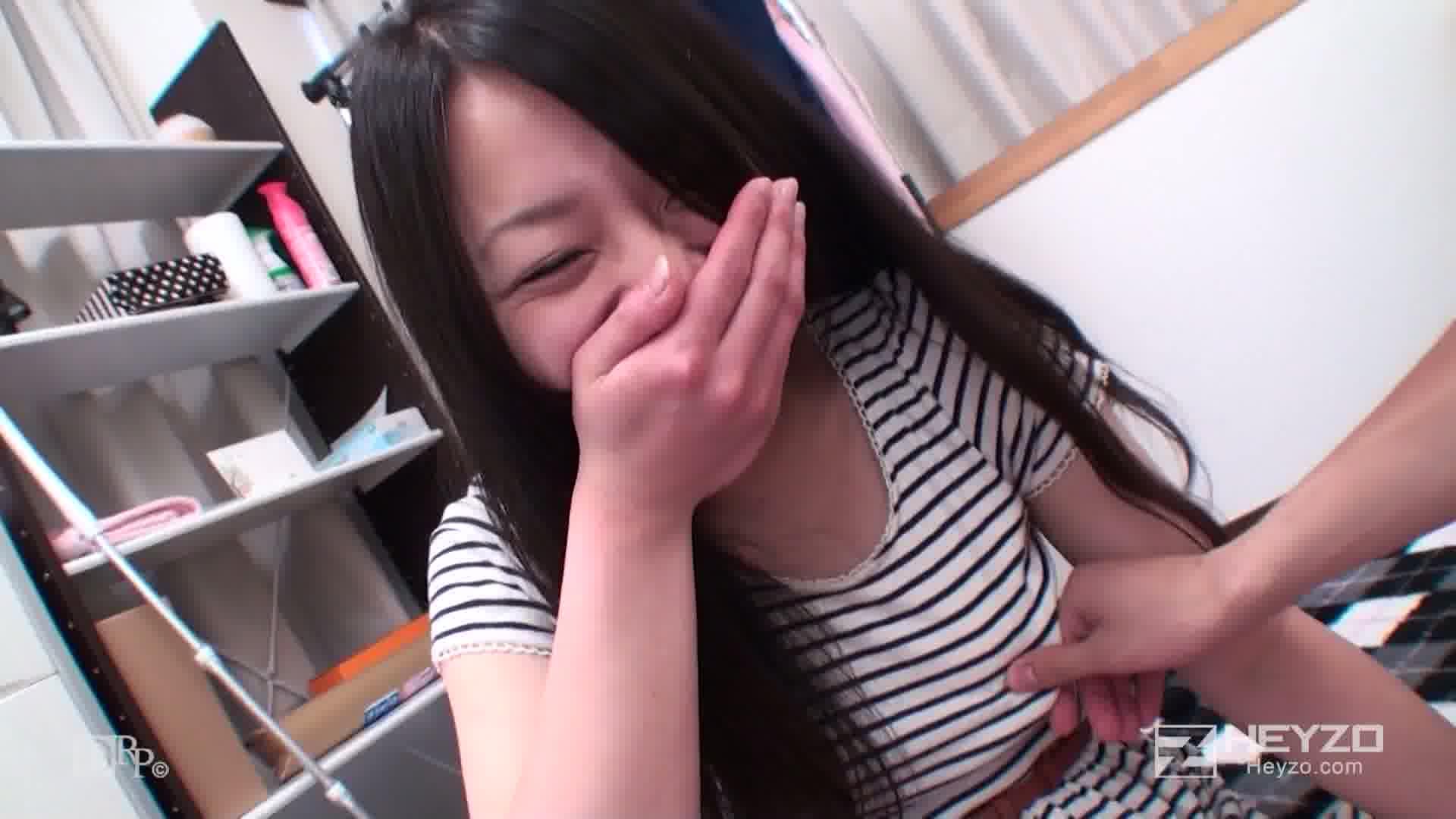純朴な彼女の自宅でハメ撮りデート~透明素肌エンジェル~ - 夏帆【雑談 指マン】