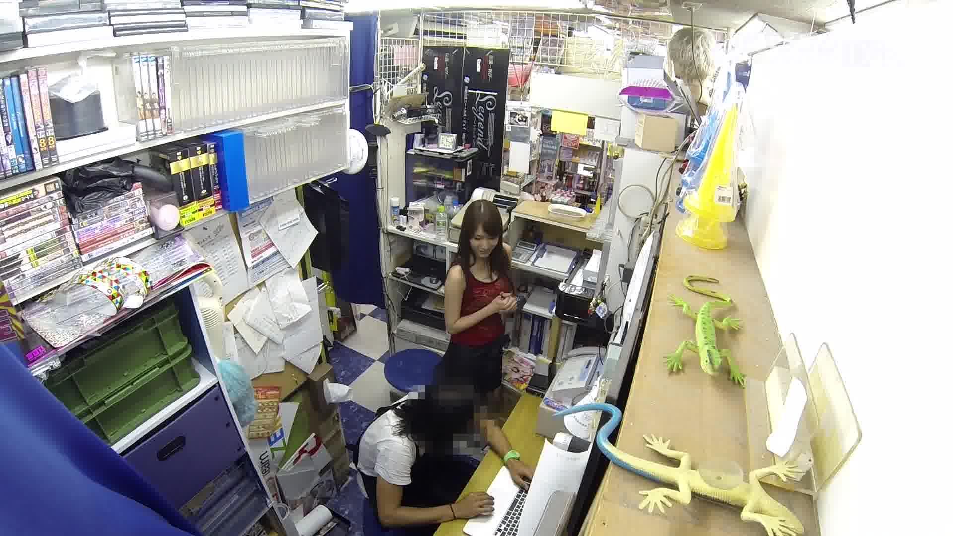 バイト先のアダルトショップの玩具で実況ツイートした女の末路 - 舞咲みくに【美乳・ハード系・3P】