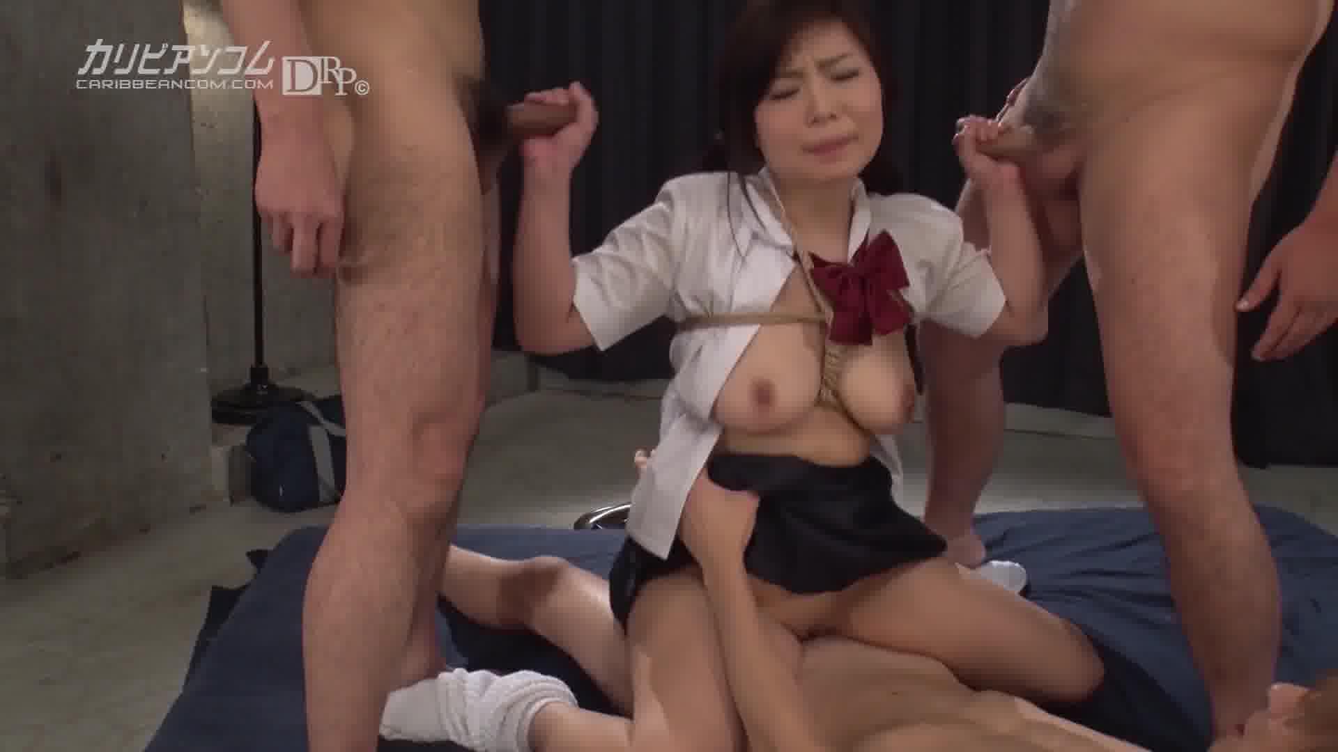 縛られたがるヤンデレ女子 - 夕城芹【潮吹き・乱交・制服】