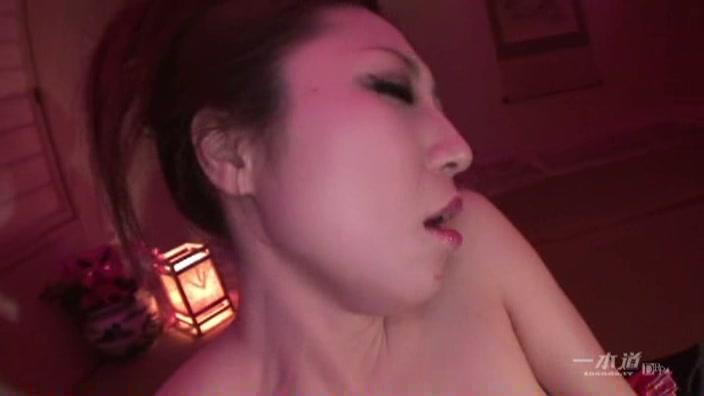 Fカップ美女の淫猥遊戯【原小雪】