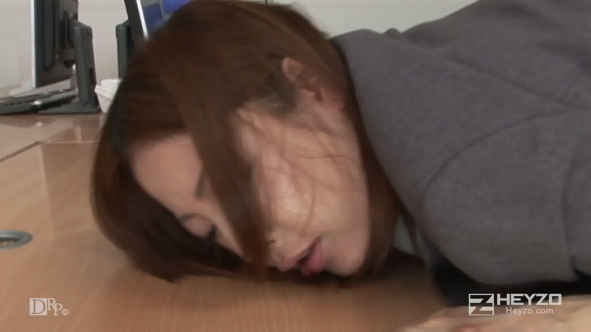 弱みを握られた敏腕美人秘書~汚された高嶺の花~ - 水川エミリ【正常位 立ちバック 中だし 2人目】