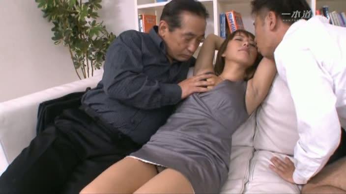 働きウーマン 〜大事な商談はベッドの上で〜【神村美沙】