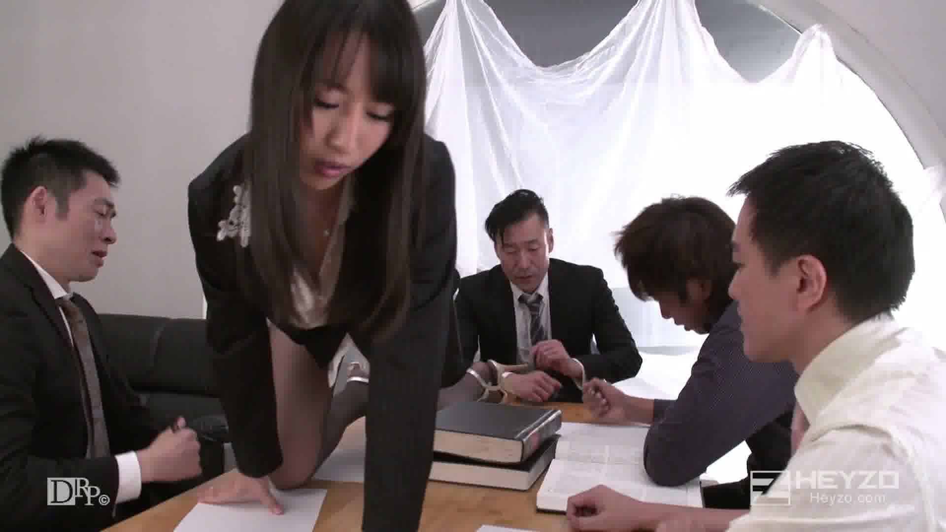 狂乱爆乳秘書~会議中に欲情する不埒な女~ - 星咲優菜【フェラ、潮吹き、パイズリ】