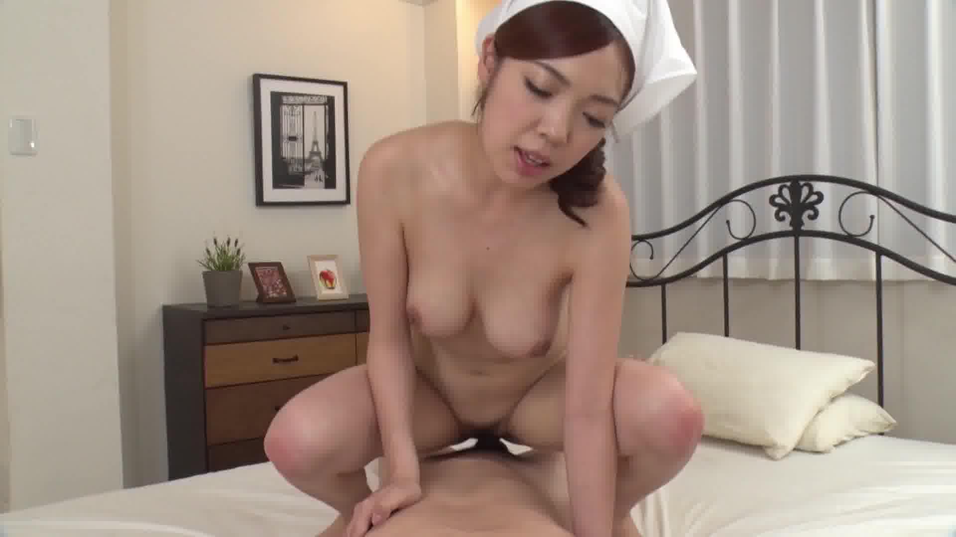 巨乳家政婦 ~満足して頂けるよう全裸で頑張ります~ - 華音【巨乳・パイズリ・メイド】