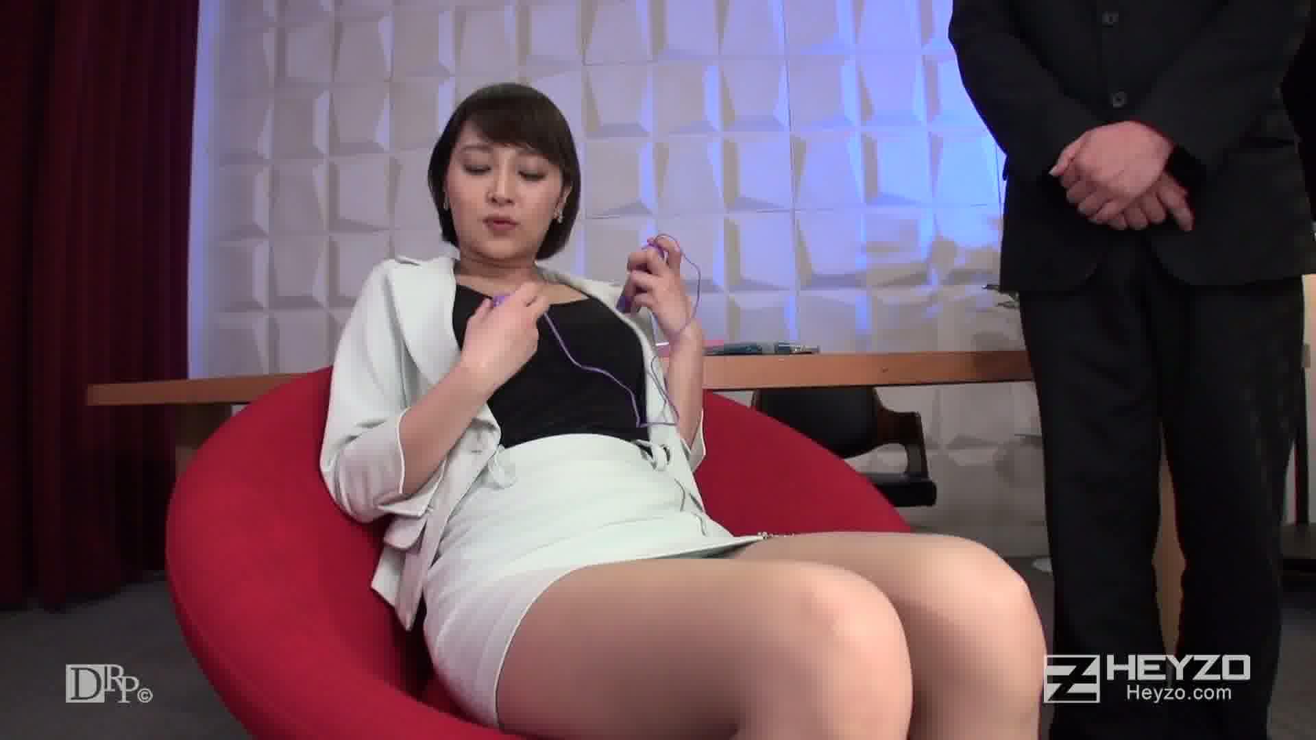 ひわいな通販番組~エロTVドットコム~ - 星川ういか【ローターオナニー 本番収録】