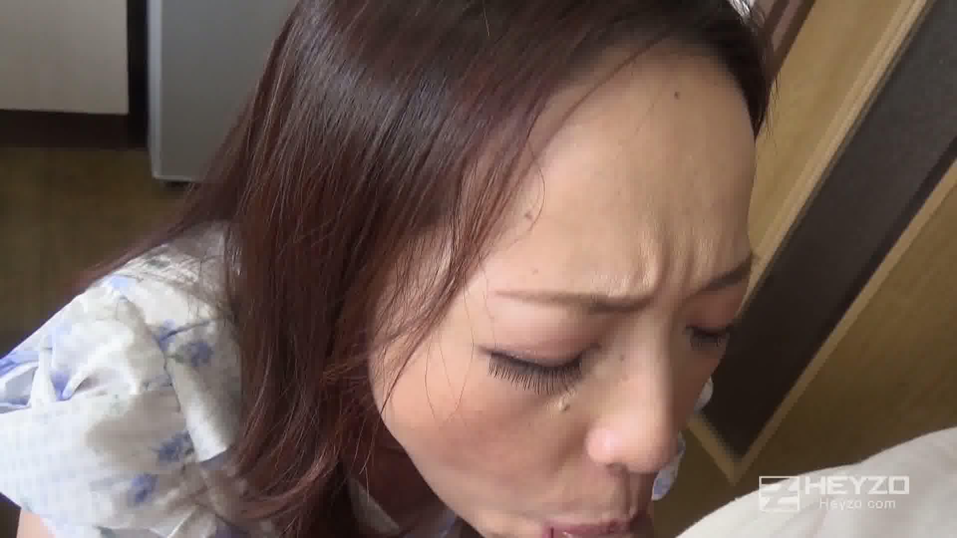 他人妻味~若い肉棒に狂う有閑マダム~ - 南澤ゆりえ【絡み開始 口内射精】