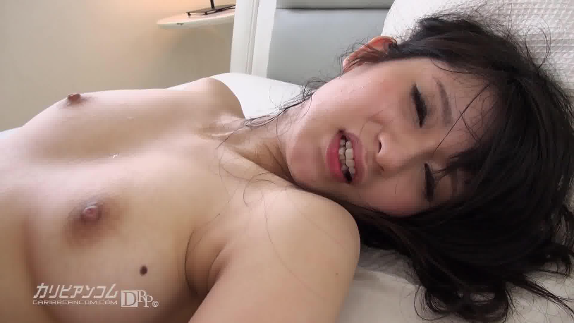 Debut Vol.14 ~たまらん上玉ハーフ~ - 玉名みら【美乳・中出し・初裏】