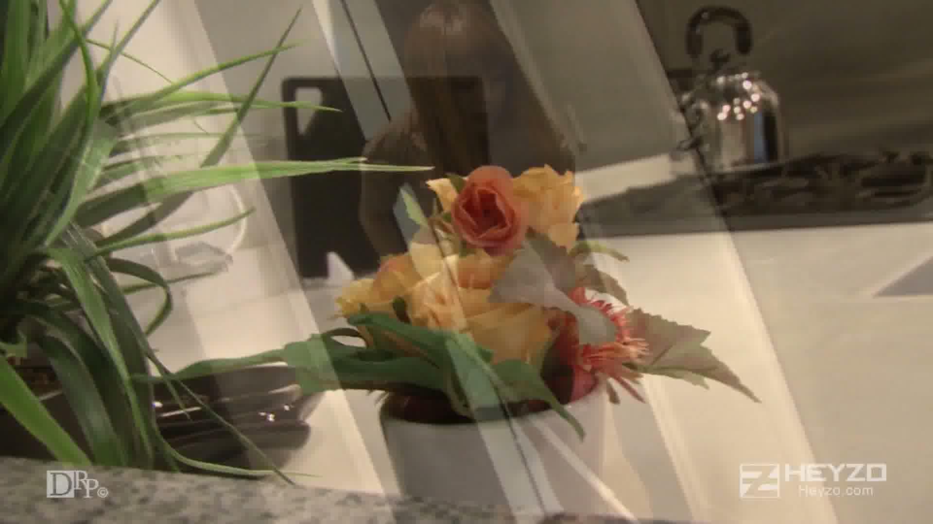 若妻麗香の肉食セックス~男を捕食する薔薇のタトゥー~ - 北原麗香【オナニー 】