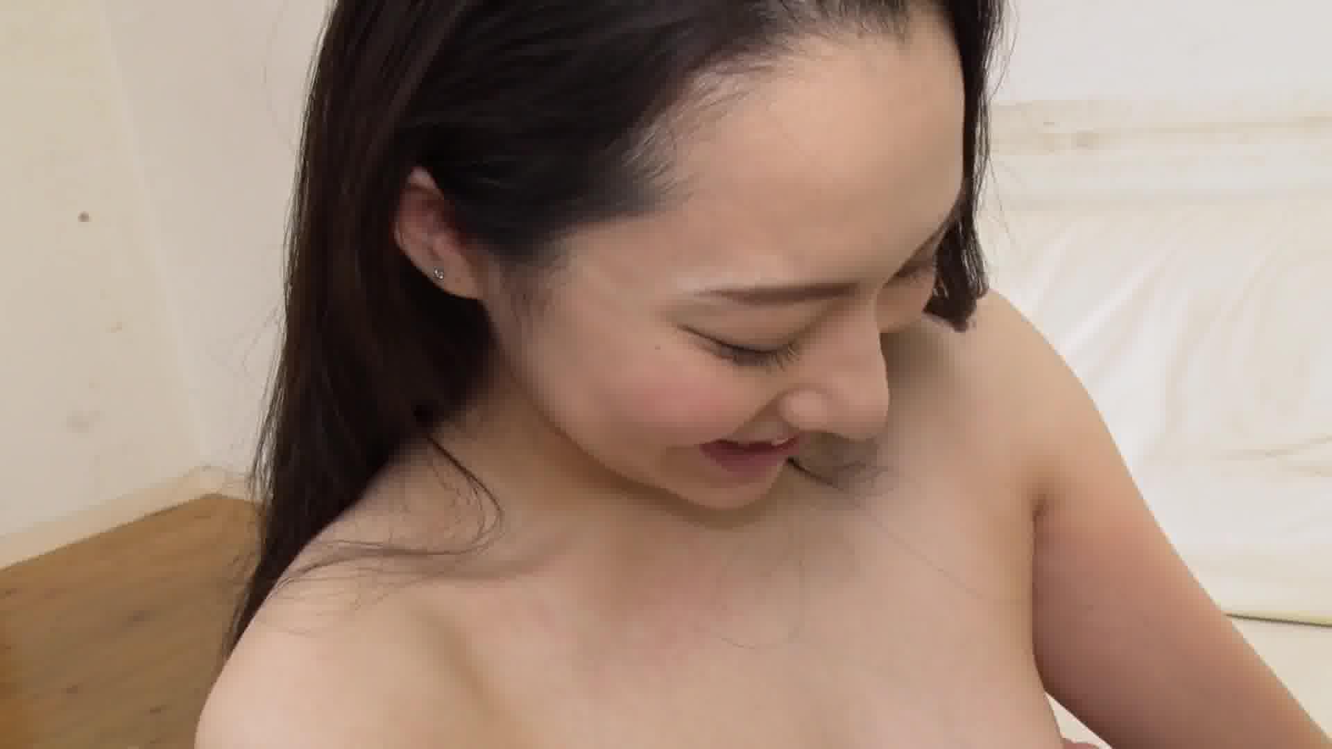 女優の方から手当たり次第に襲いかかる中出しセックス - 吉岡蓮美【痴女・パイパン・中出し】