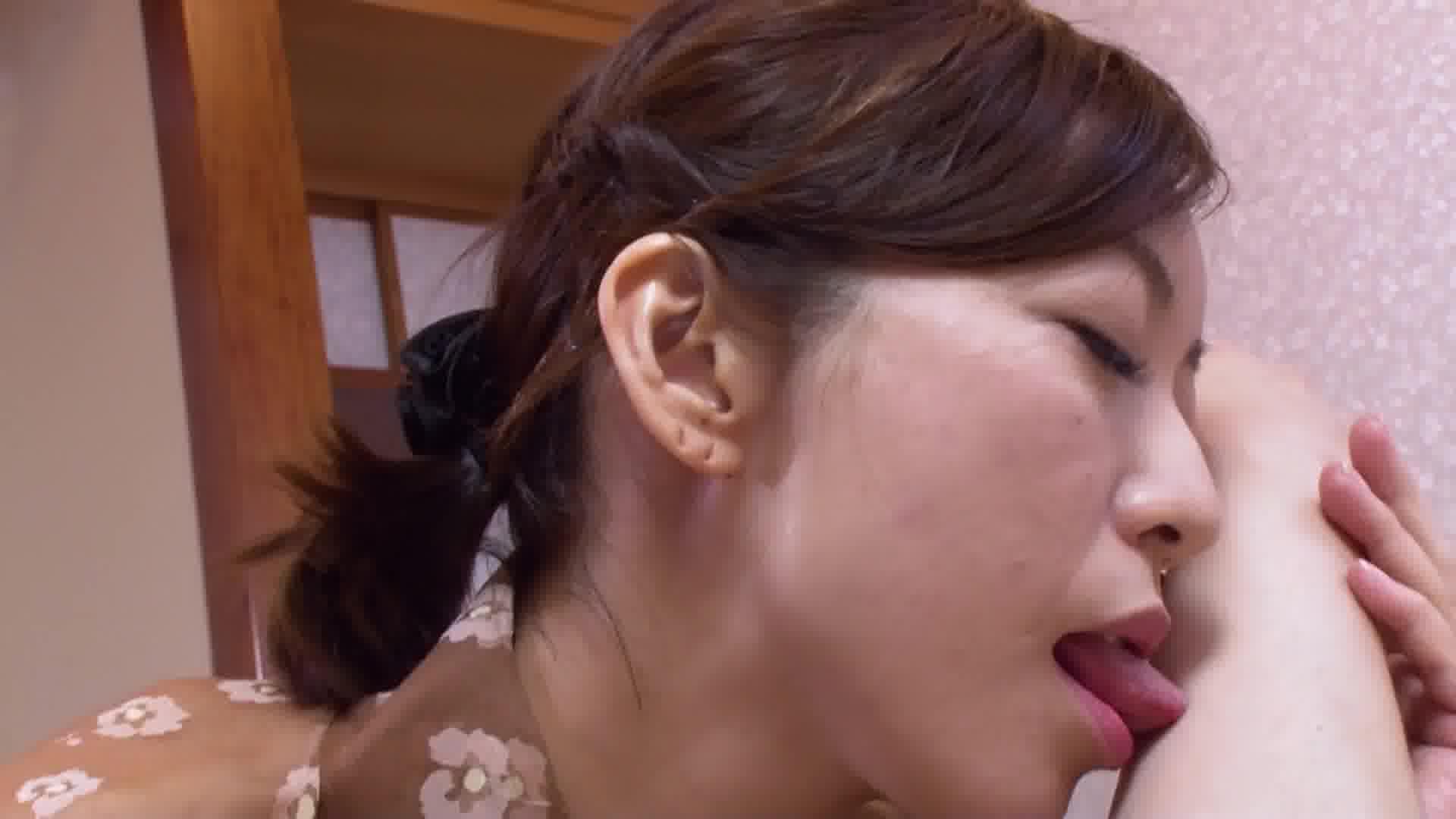 洗練された大人のいやし亭 ~絶倫女将がゲスエロご奉仕致します~ - HITOMI【着物・スレンダー・中出し】