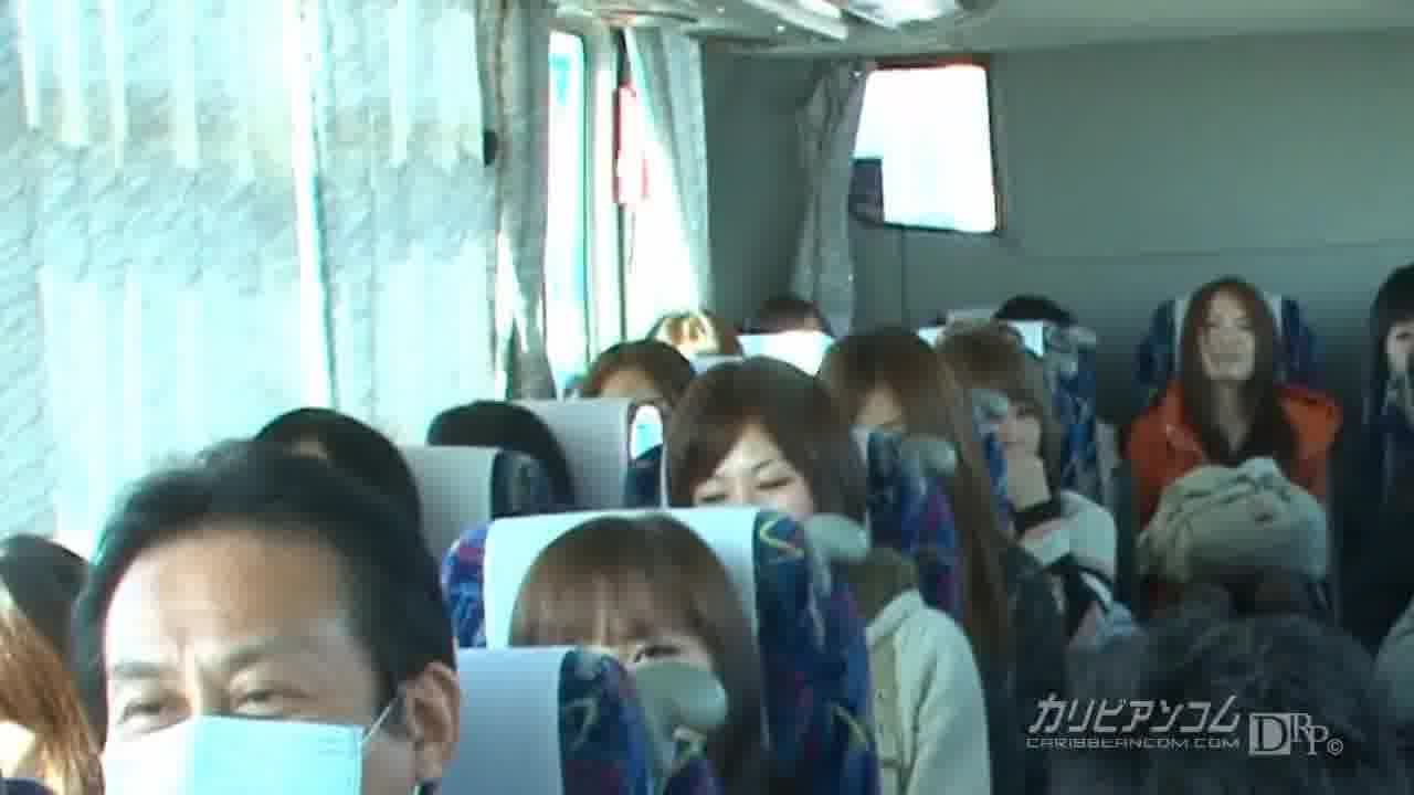 50人乱交 - 南乃彩花【乱交・野外露出・中出し】