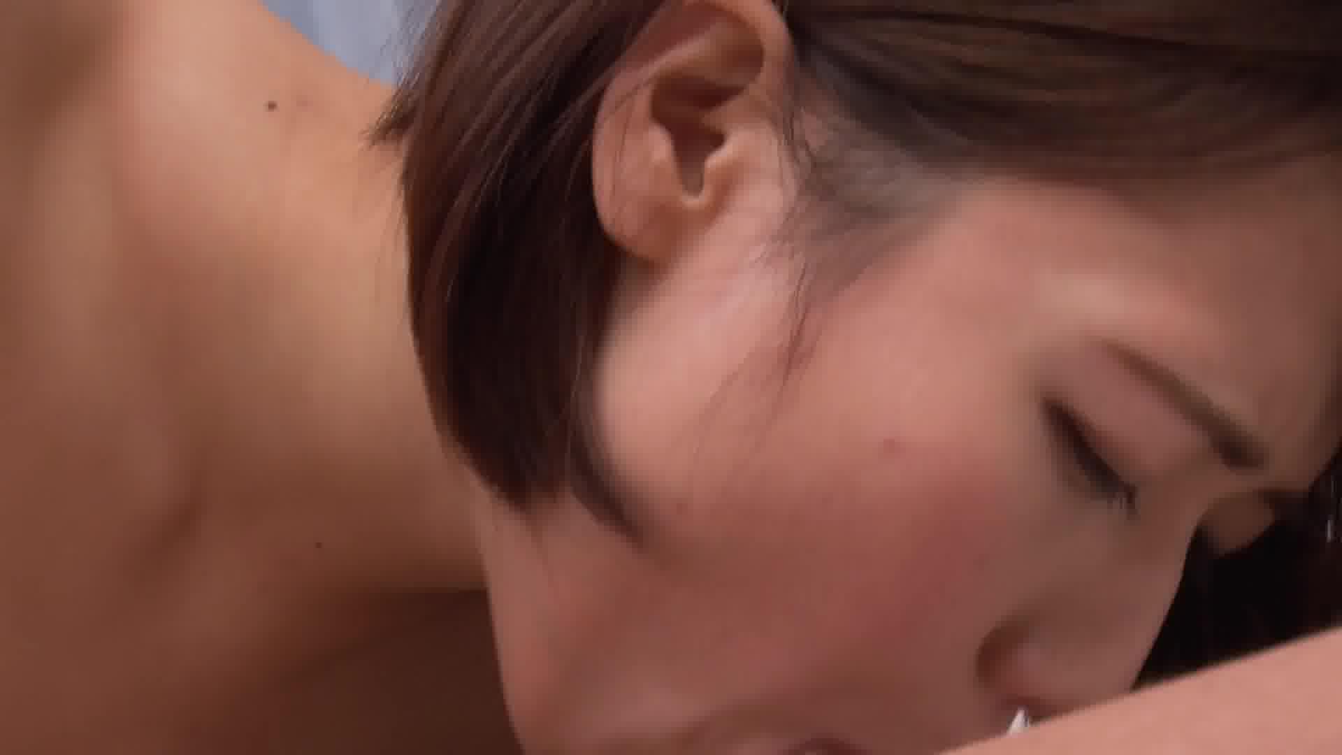 チンポが好き過ぎて切磋琢磨された絶妙な舌技! - 菊川みつ葉【巨乳・3P・パイズリ】
