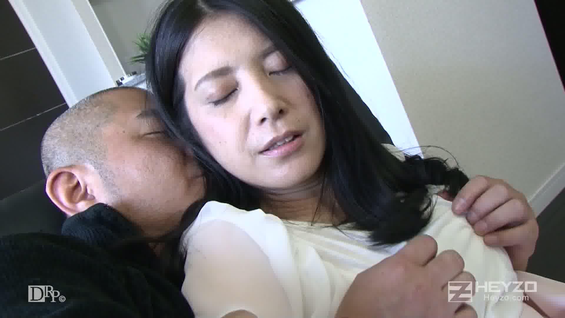 欲求不満の隣の奥さん~開放された性欲フルスロットル~ - 相澤かな【ベロチュー 脱衣 乳首舐め 指マン】