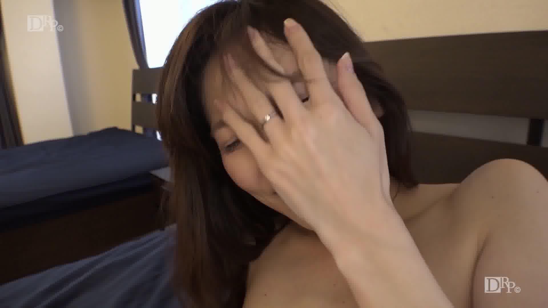 ケツの穴を見られるより恥ずかしいというスッピンを暴露 - 米倉のあ【美乳・スレンダー・中出し】