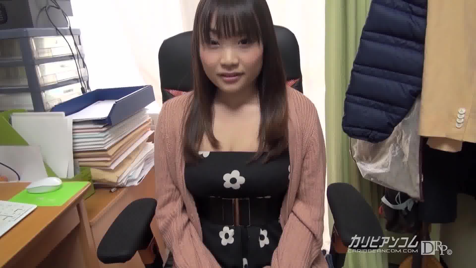 所持金ゼロ!目指せ九州!102cm爆乳ヒッチハイク! - 持田美琴【巨乳・カーセックス・初裏】