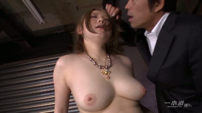 爆乳尻【小沢アリス】