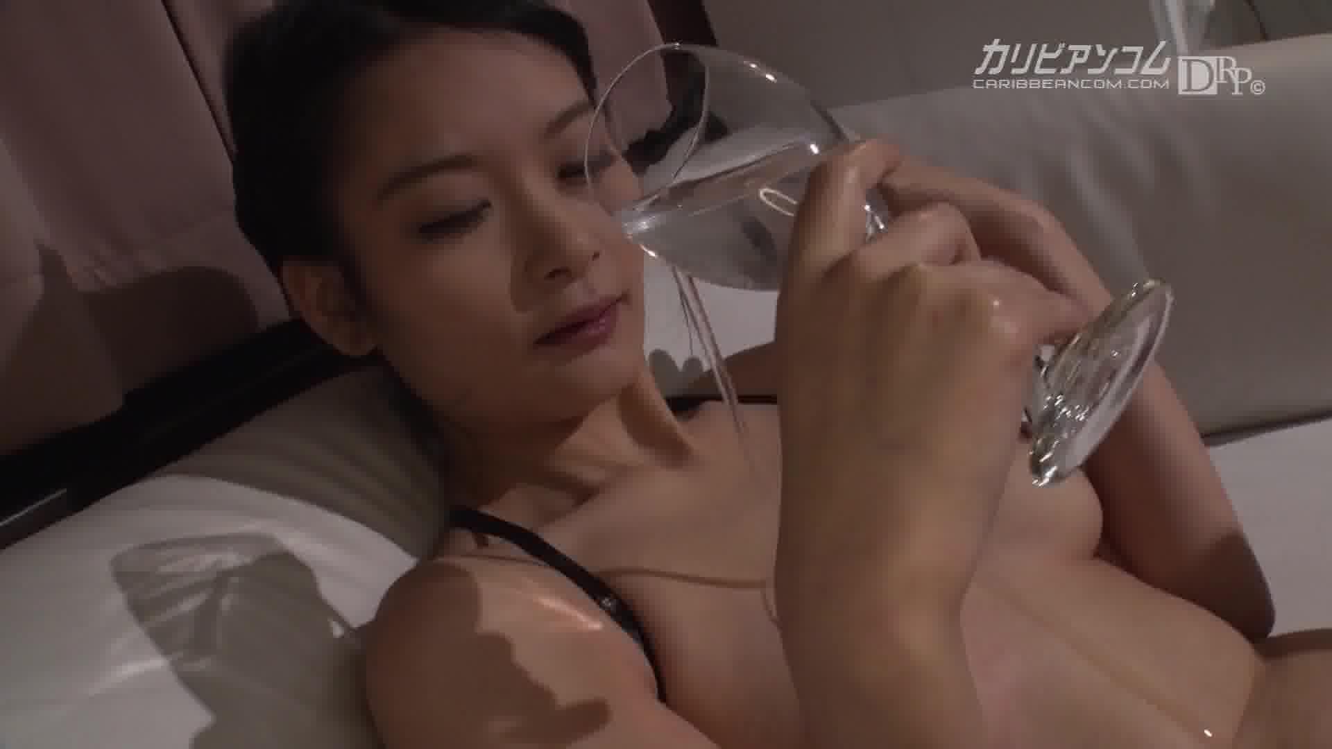 THE 未公開 ~排出される女汁のオンパレード~ - 夕城芹【巨乳・パイパン・パイズリ】