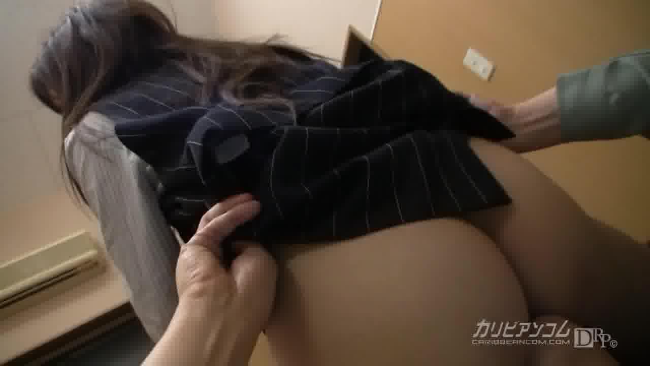 建設会社OLの秘密 - 榊カヲル【制服・巨乳・中出し】